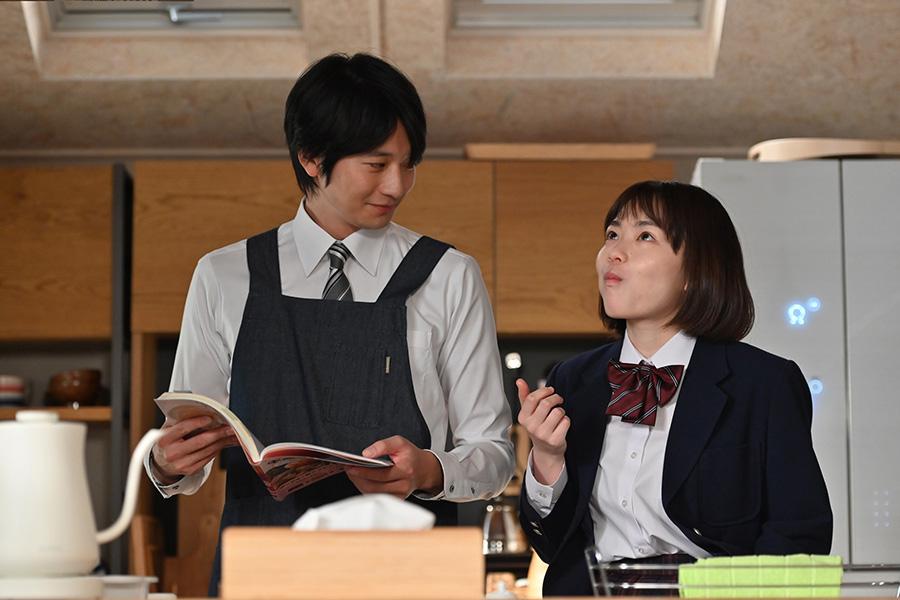 向井理と誘拐される娘役の山田杏奈