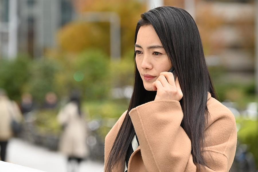 離婚した元妻役の仲間由紀恵