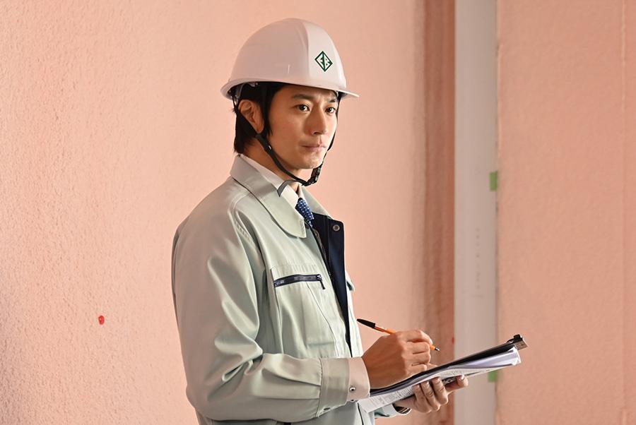 主人公・圭太(向井理)の職業は建築調査員