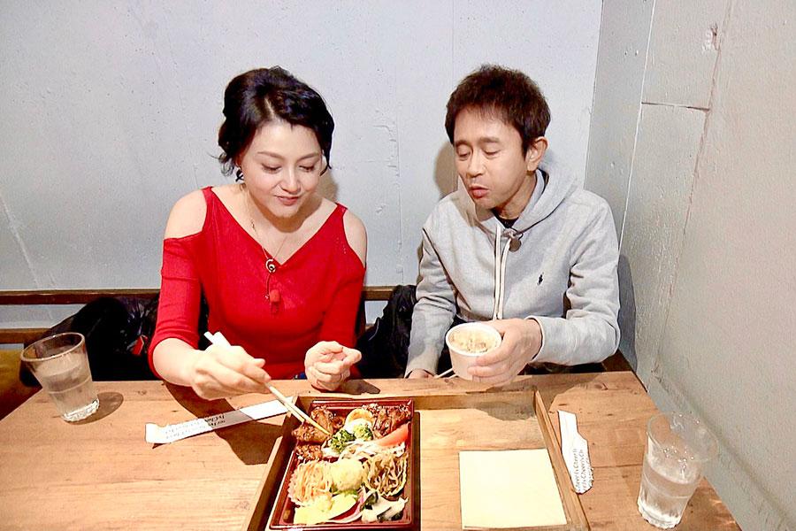 左から藤原紀香、浜田雅功(写真提供:MBS)