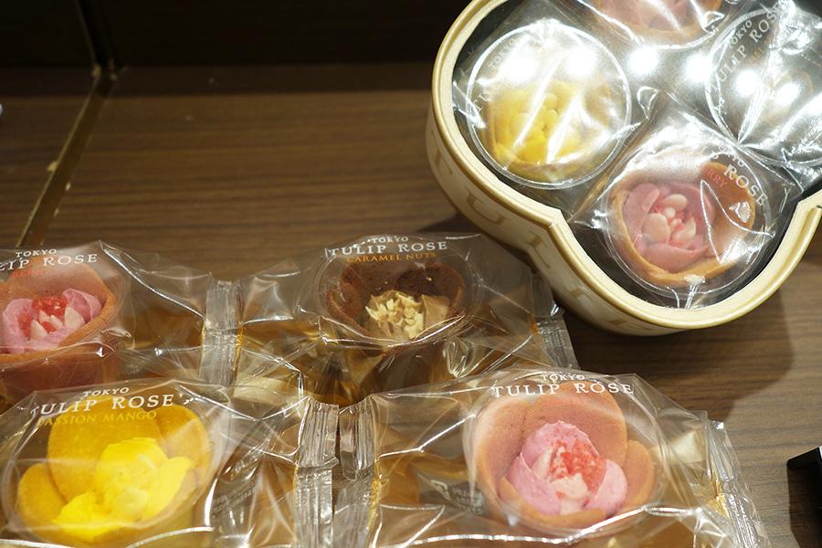 昨年人気だったTOKYO TULIP ROSEは期間限定で登場。写真のチューリップローズ プレシャス1188円のほか、新商品も