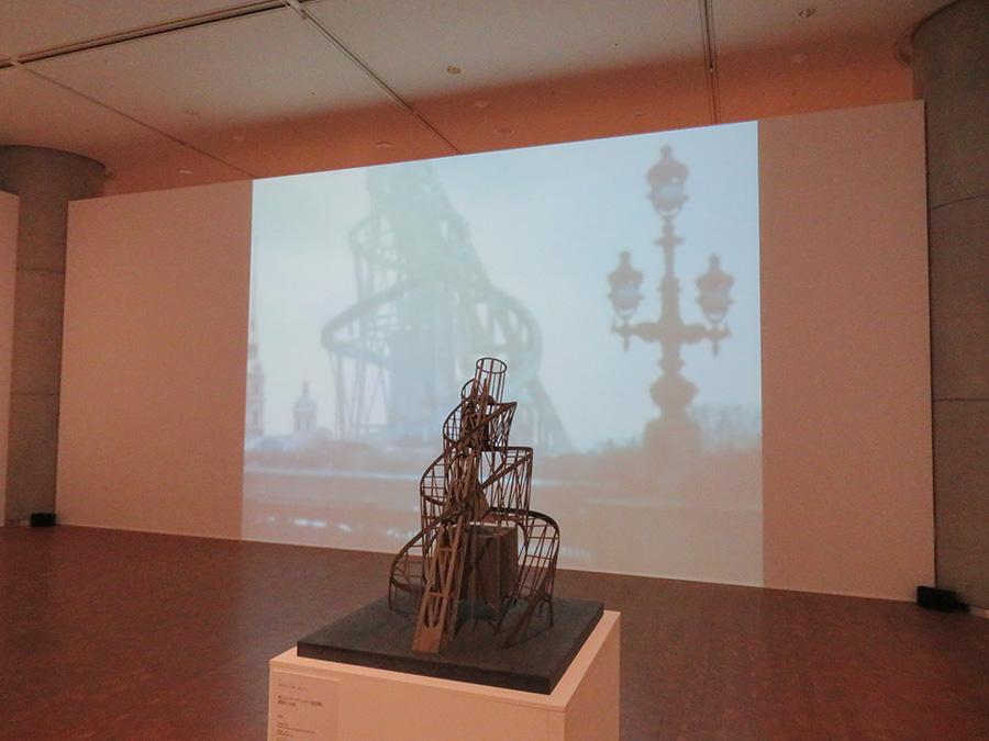 ウラジミール・タトリン「第3インターナショナル記念塔」1919〜1920年