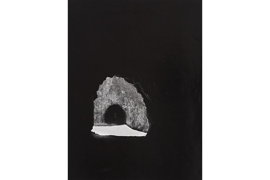 岩宮 武二《トンネル(大倉―矢柄間)》 発表年:1956 プリント制作年:1994 大阪府20世紀美術コレクション