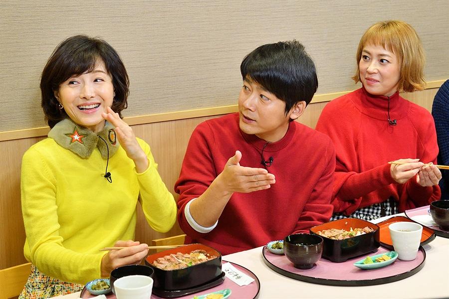 左から水野真紀・ロザン菅・佐藤仁美(画像提供:MBSテレビ)