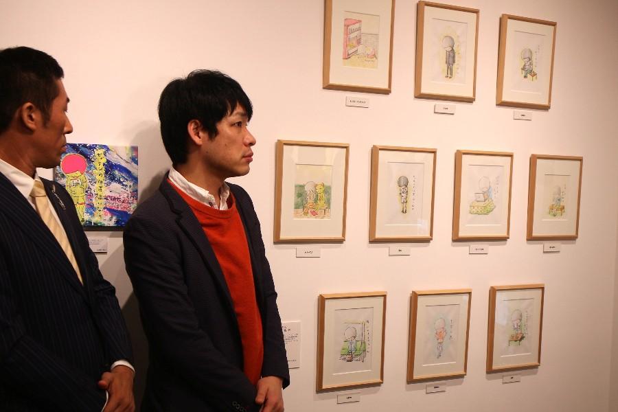 「人に言えない思春期の恥ずかしさのような葛藤を描いている」という川島の作品「うつむきくん」