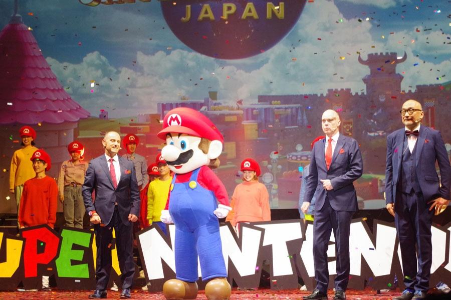 「スーパー・ニンテンドー・ワールド」の新技術発表会にはマリオも訪れた(1月14日撮影・USJ)