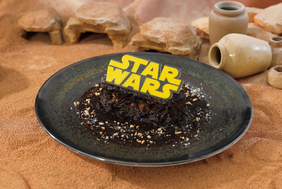 <STAR WARS>はるか彼方の銀河系ブラックカレー(1590円・税別)