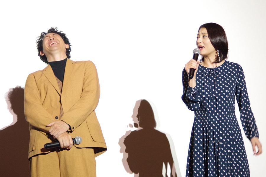 小池栄子に「よくしゃべる。よく食べる。よく笑う」と評され爆笑する大泉洋(1月29日・大阪市内)