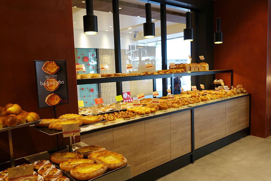 ロッドの店内、時間滞によって登場するパンが変更