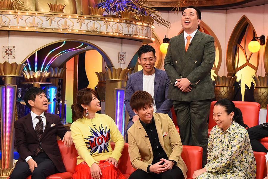 前列左から関根勤、はるな愛、今井マサキ、いとうあさこ、後列左からミルクボーイ ©KTV