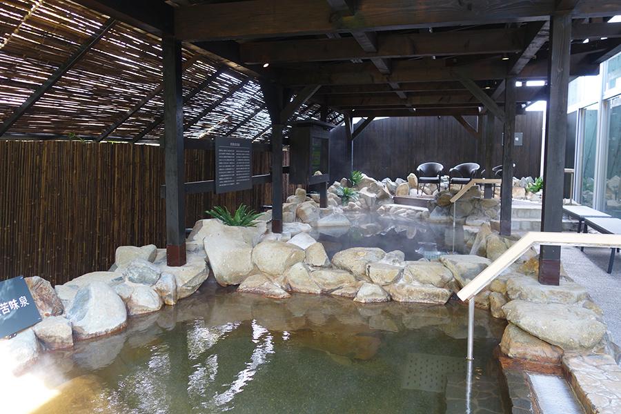 大浴場は以前の施設を活かし、人気の炭酸風呂が加わっている