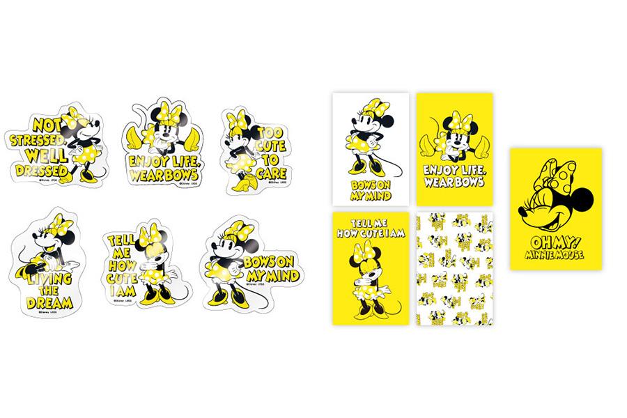 左から「クリアステッカー」(ランダム6種/300円・税別)、「ポストカード」(4枚セット/800円・税別)