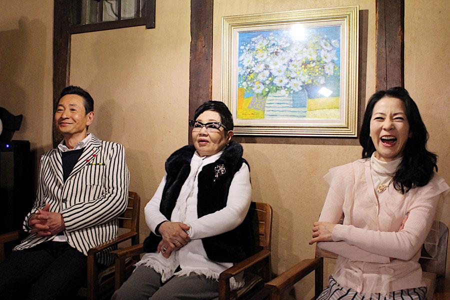 左から『1泊2日の奈良満喫の旅 90分SP』の収録をおこなった三田村邦彦、泉ピン子、坂本冬美