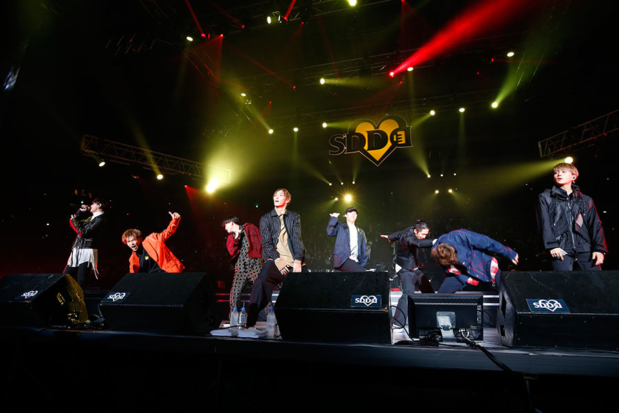 『Tumbling Dice』では激しいダンスパフォーマンスを披露したFANTASTICS from EXILE TRIBE(15日・大阪城ホール)写真:LIVE SDD 2020 official photo