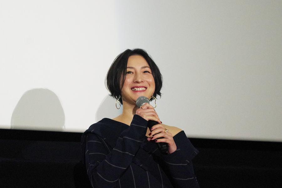 「京美人という役をいただきまして、僭越ながらがんばって、はんなりの空気を出せるように」と広末