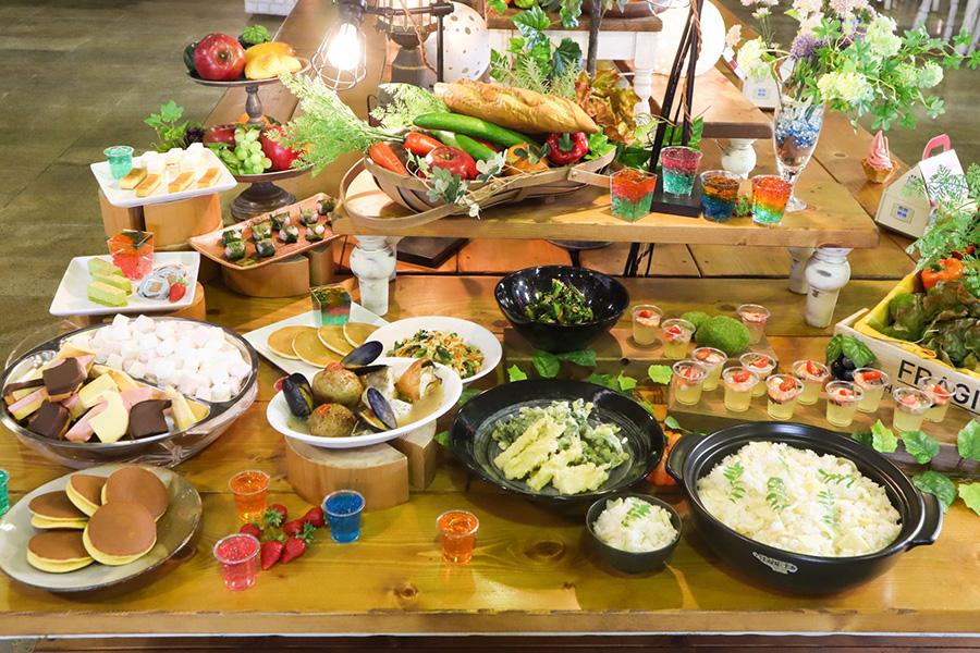 園内のレストラン「みのりの丘」では、春を感じられるタケノコを使った料理に加え、アクアパッツァやコンソメジュレなどの小洒落たメニューも期間限定で登場