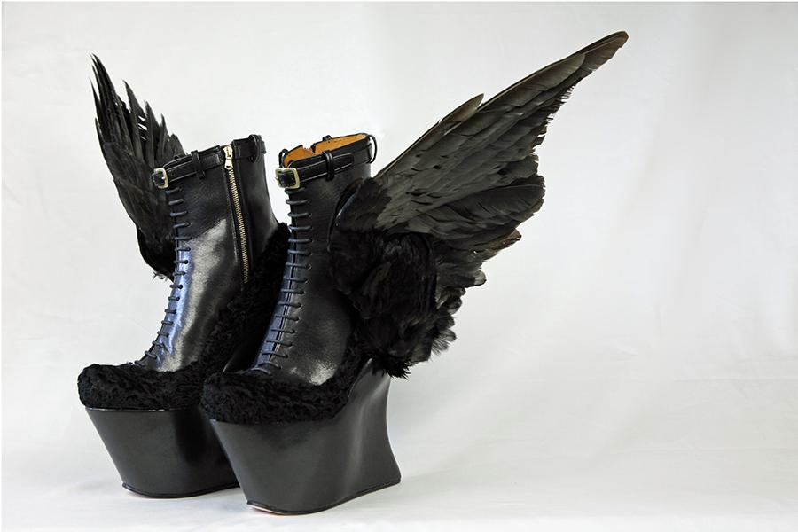 展示作品のひとつ、レディー・ガガが着用した『Stairway to Heaven A』