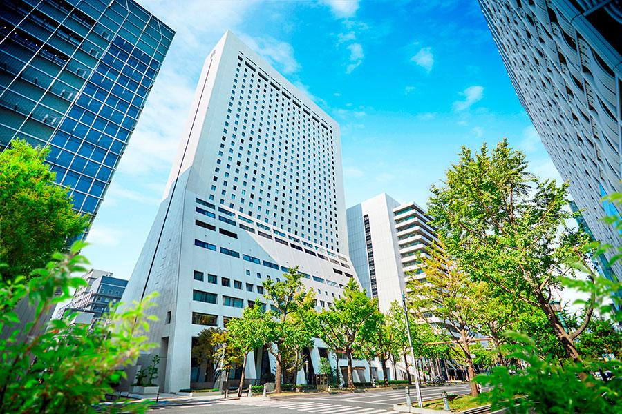 大阪メトロ「心斎橋駅」と直結。マイカーで来れるよう駐車場も無料になる