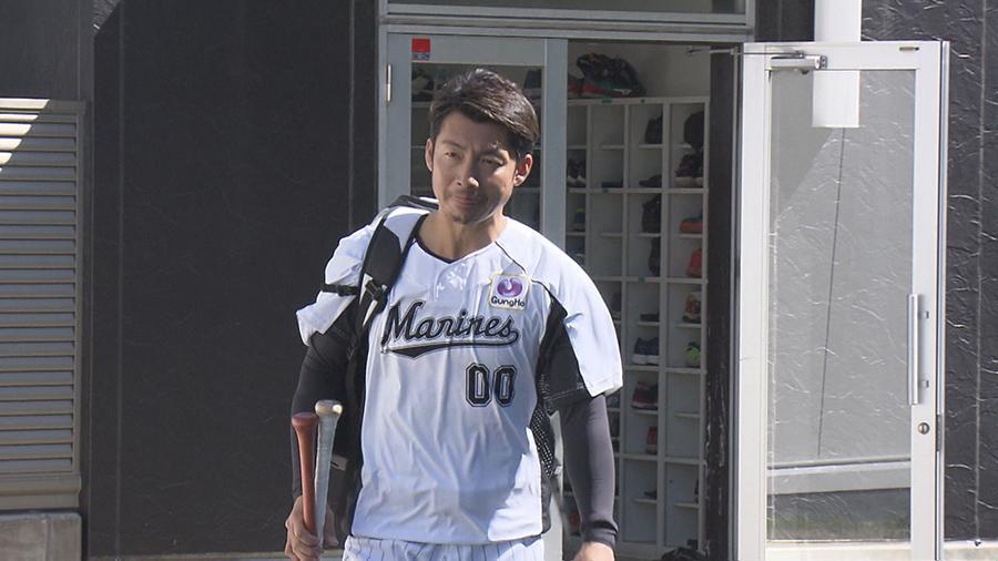 「もらった背番号をしっかり自分の番号にしたい」と語った鳥谷選手 ©KTV