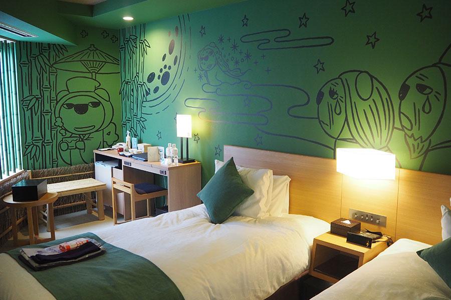 自然の竹をふんだんに使い、嵯峨野・嵐山の竹林を彷彿とさせる「竹林(ちくりん)の部屋」