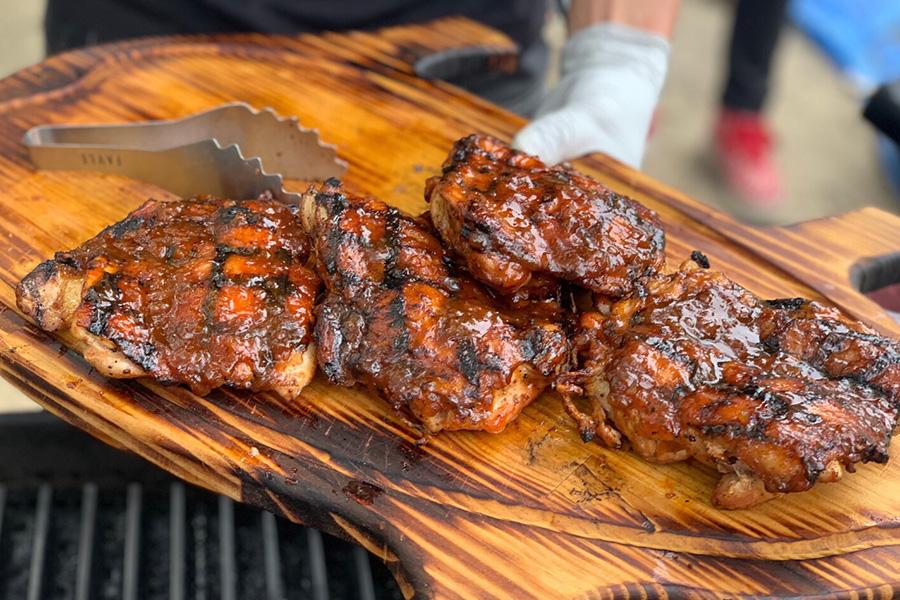 BBQステーキコンテスト常連の人気店「EAST BBQ」も登場。数量限定
