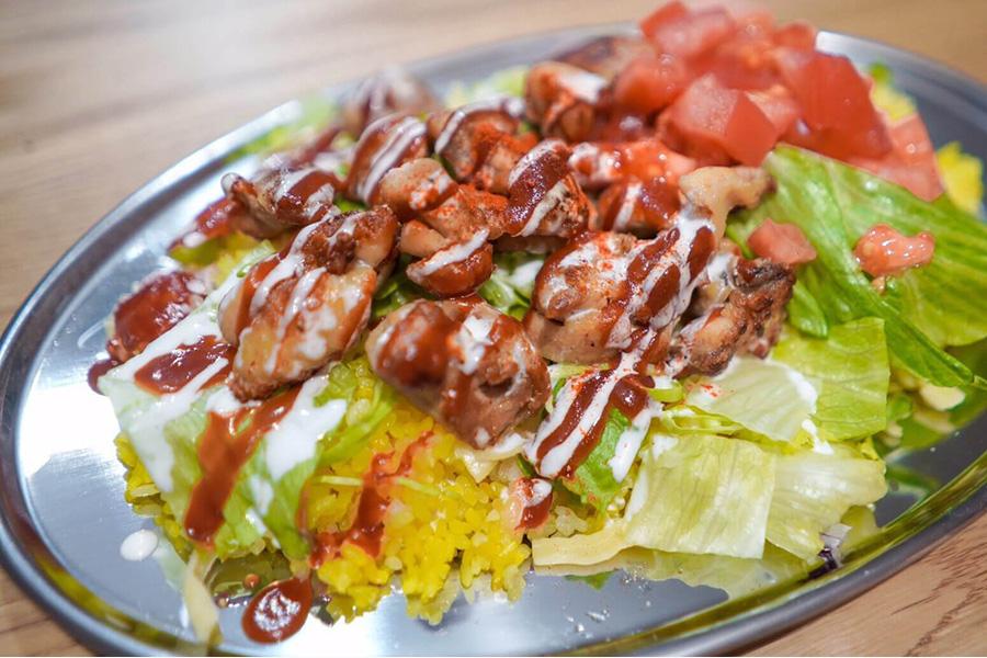 世界三大料理のトルコ料理も出店。「DIME AND CRACK 」のチキンオーバーライス