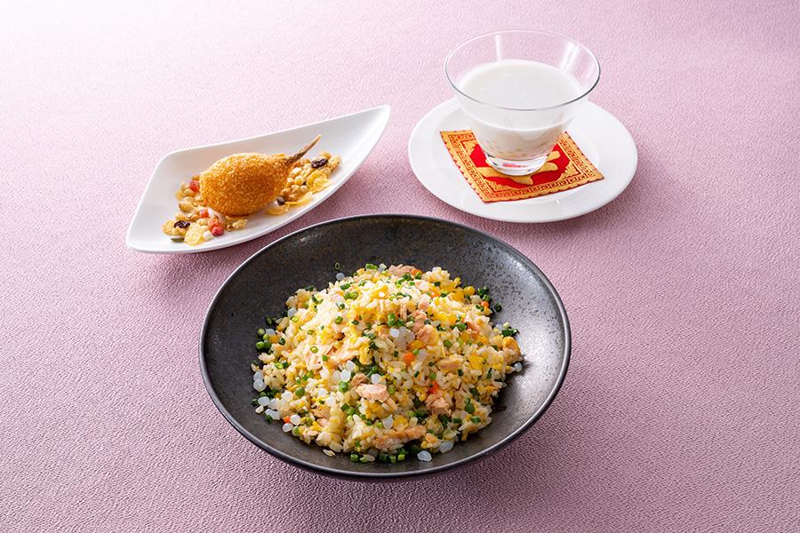 ホテル日航大阪、中国料理「桃李」の大阪応援ランチ 炒飯セット(小鉢、 デザート付)