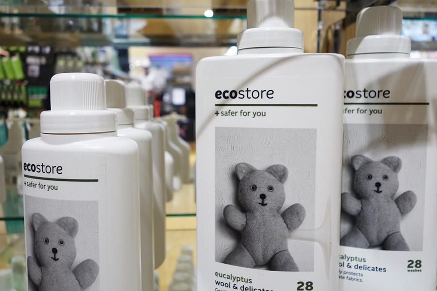 ニュージーランドの「エコストア」。写真はデリケート&ウールウォッシュ用の洗剤