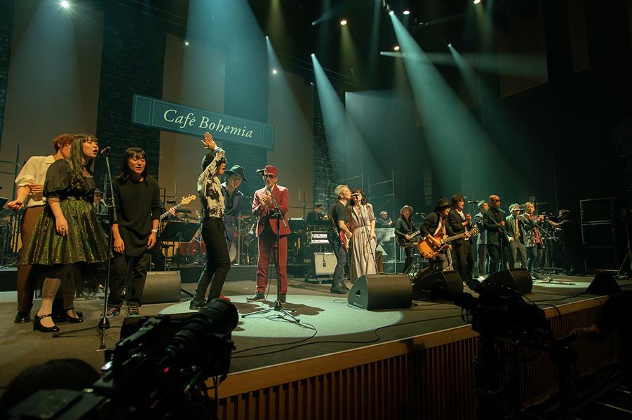 アンコールでは出演者全員で「約束の橋」を歌い、佐野へのリスペクトと愛が溢れた一夜となった 写真:アライテツヤ