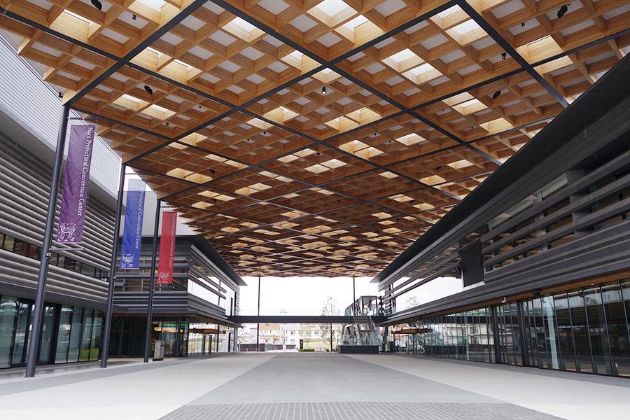 4月1日に開館した奈良県コンベンションセンターに位置する蔦屋書店