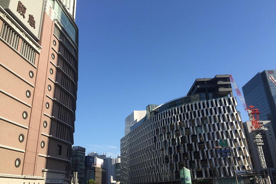 大阪・商業施設が続々休業、一部は食料品売場のみ営業