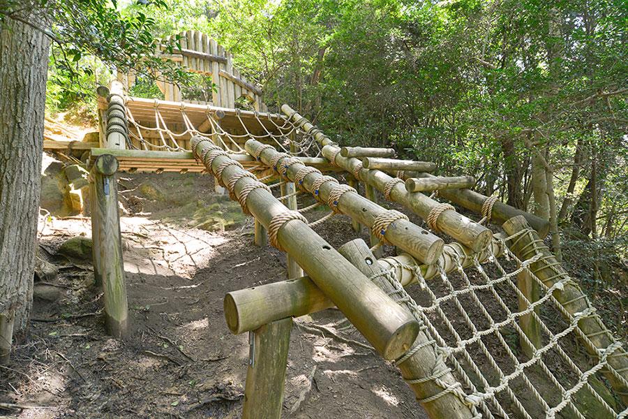 歴史を学びながら体験できる「生駒山麓公園 フィールドアスレチック」