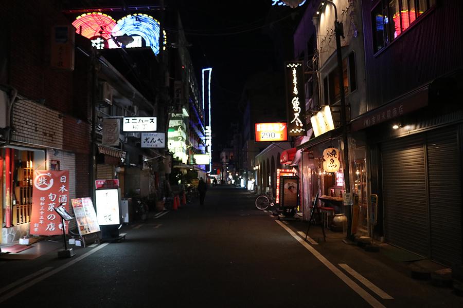 緊急事態宣言、大阪の繁華街「ゴーストタウンのように」