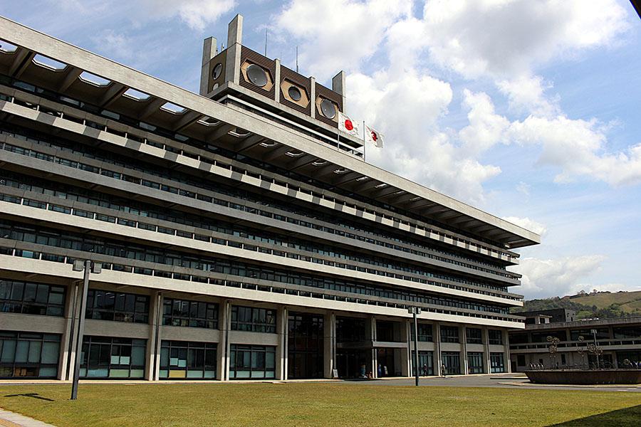 県内の遊興施設などに対し「休業要請」を開始した奈良県(5月6日まで)。協力企業には、協力金を給付