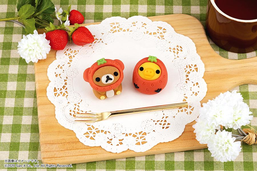 4月28日から販売される和菓子「イチゴリラックマ/イチゴキイロイトリ」
