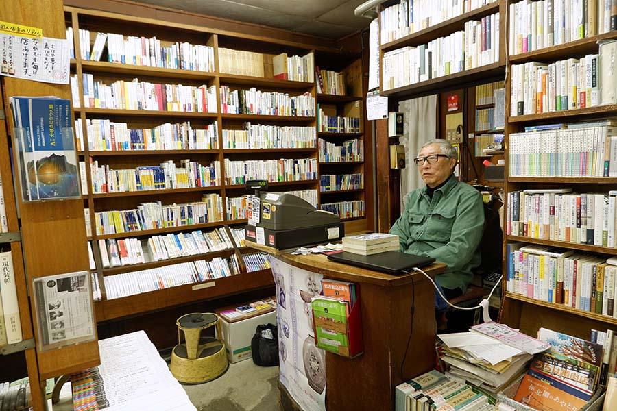 店主の宍戸さんは3代目。ほかの書店についての雑感をつづったブログには、業界への思いの深さが感じられる