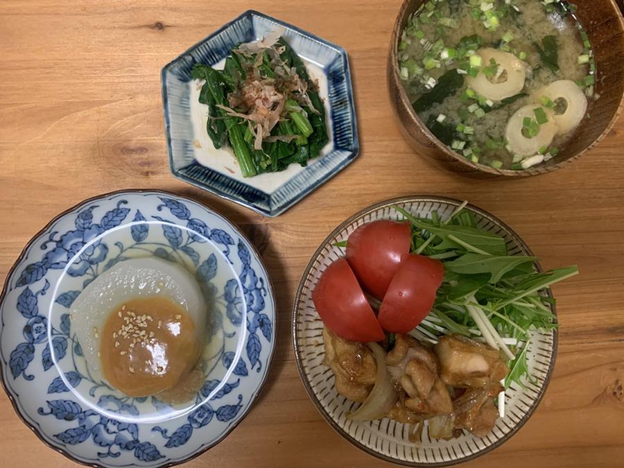 下ゆで済みの大根で、ふろふき大根も楽々。鶏肉や新鮮野菜も、シンプルな調理でおいしく(カジュアル割烹イイダ)