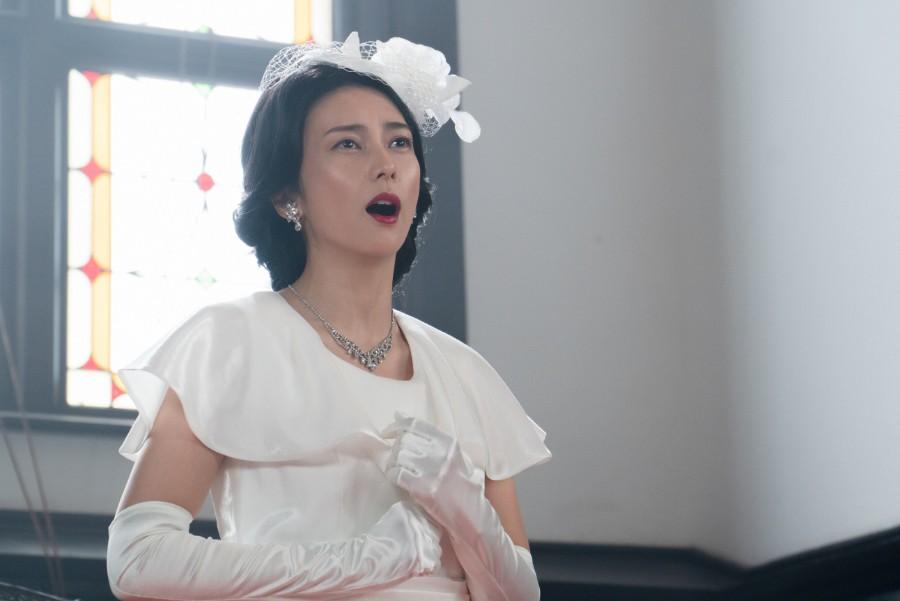 教会で歌うオペラ歌手・双浦環(柴咲コウ)(C)NHK