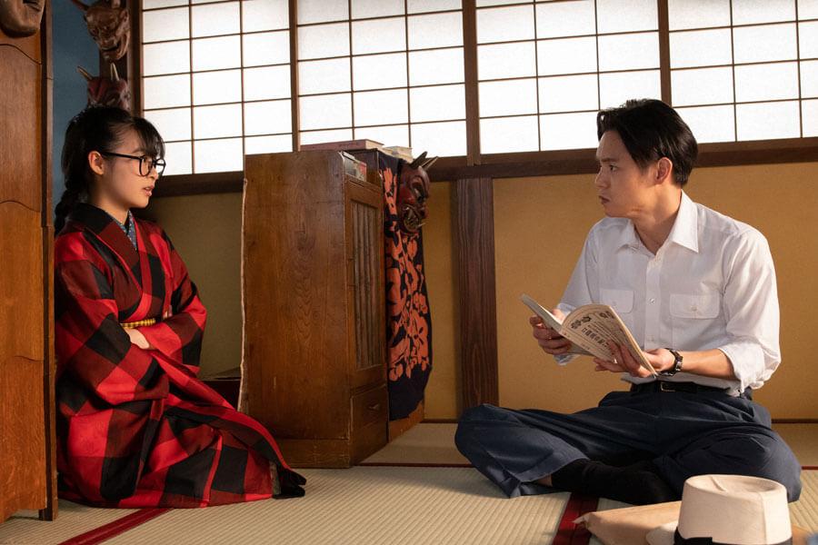 第24回より、裕一(窪田正孝)に作曲の仕方を尋ねる音の妹・梅(森七菜)(C)NHK