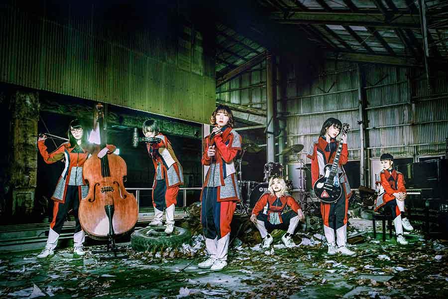 「楽器を持たないパンクバンド」こと、人気アイドルグループ・BiSH
