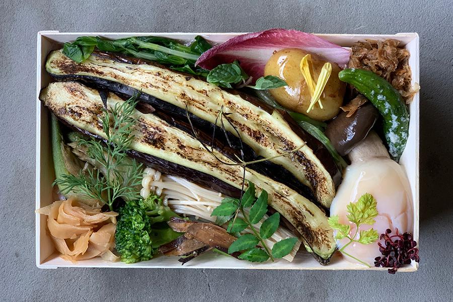 「頬張り寿し 菜」1200円。メインの野菜は季節ごとに変化
