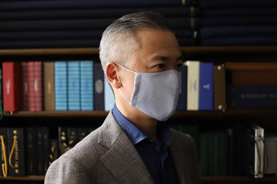 テーラーメイドならではの立体的なパターン。ストレスなく顔を覆い、付け心地も快適な「COL」のマスク