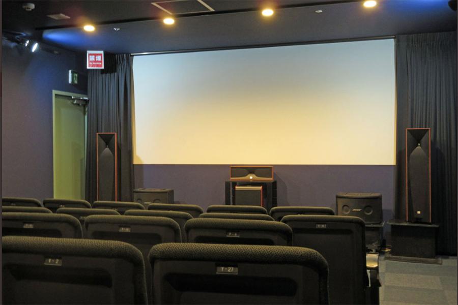 「シアターセブン」のBOX2は、当面の間12席で満席に