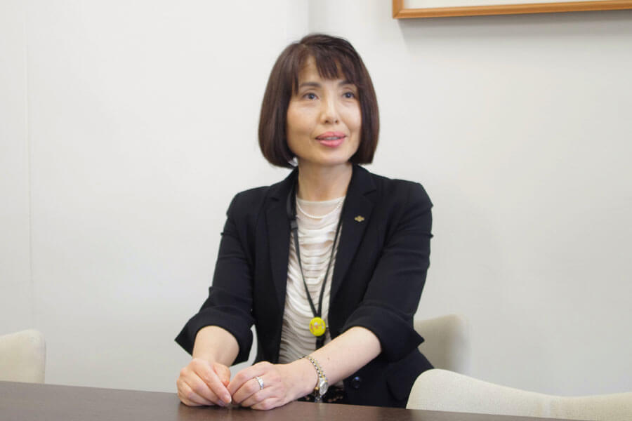 「知事とは一貫して情報を共有し、意見交換し、対策を議論していた」と語る藤井部長(5月28日・大阪府庁