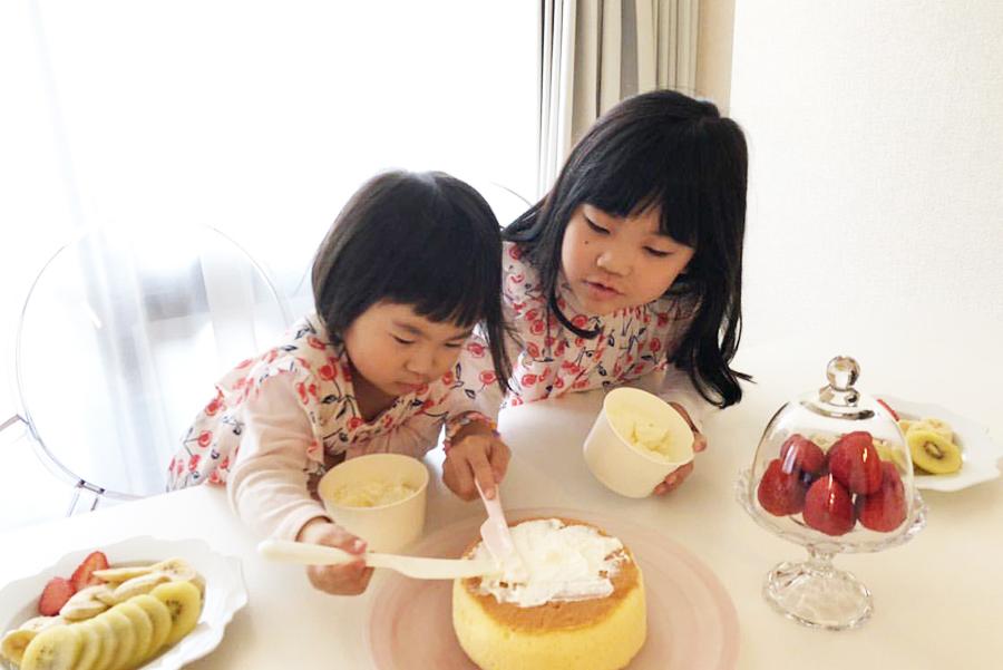 「ポアール」のケーキ手作りキット「OUCHI de CAKE」。はちみつやチョコレートなどで、自由に味付けをするのも楽しい
