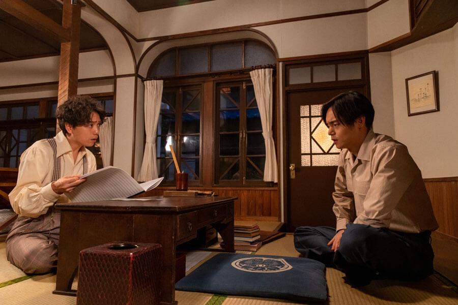音が実家に戻り、久志(山崎育三郎)に相談する裕一(窪田正孝)(C)NHK