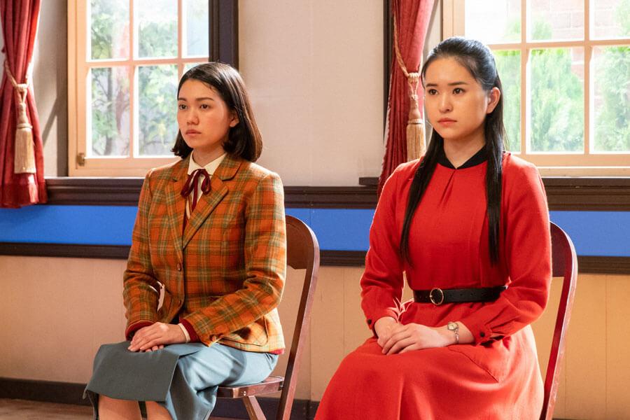 記念公演の最終選考に臨む音(二階堂ふみ)と千鶴子(小南満佑子)(C)NHK
