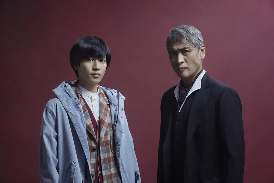 左から、志尊淳、吉川晃司 (c)ktv