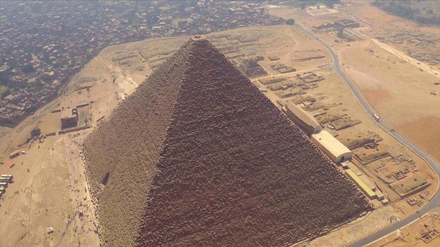 クフ王の大ピラミッド(C)NHK