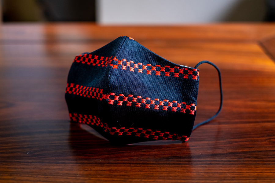 ヨロイ織マスク(縫製タイプ)900円
